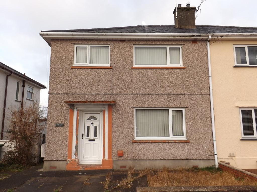 3 Bedrooms Barn Conversion Character Property for sale in Maes Hyfryd, Caernarfon