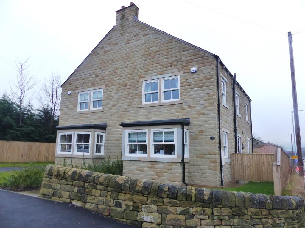 3 Bedrooms Semi Detached House for sale in Old Corn Mill Fold, Silsden