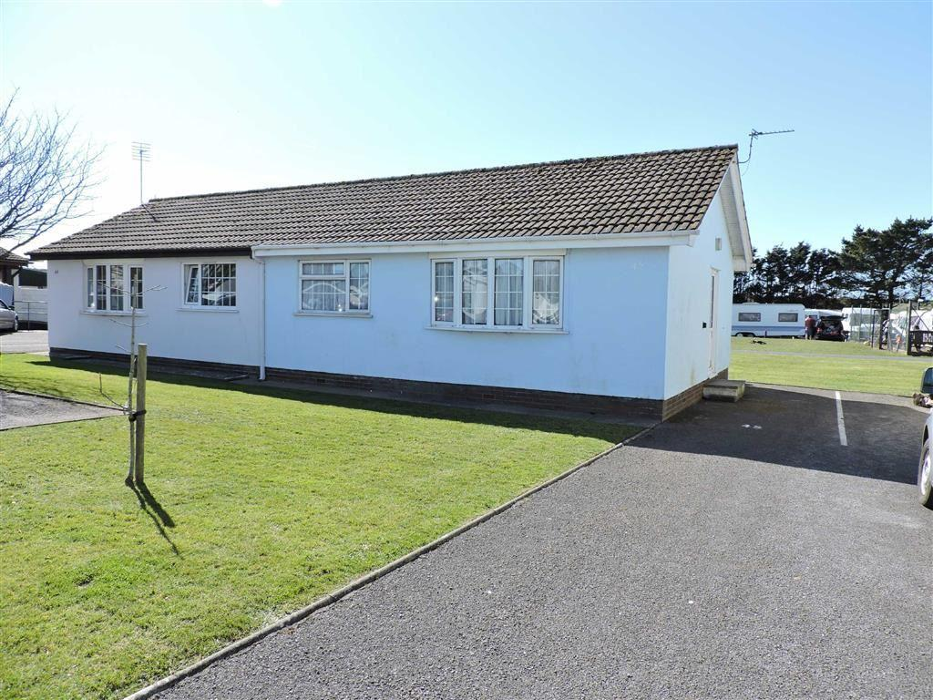 2 Bedrooms Chalet House for sale in Gower Holiday Village, Monksland Road, Scurlage