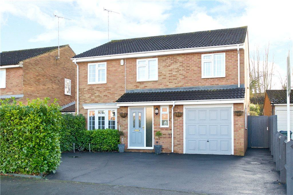 5 Bedrooms Detached House for sale in Hare Close, Buckingham, Buckinghamshire