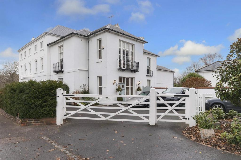 4 Bedrooms House for sale in Church Street, Henfield, West Sussex