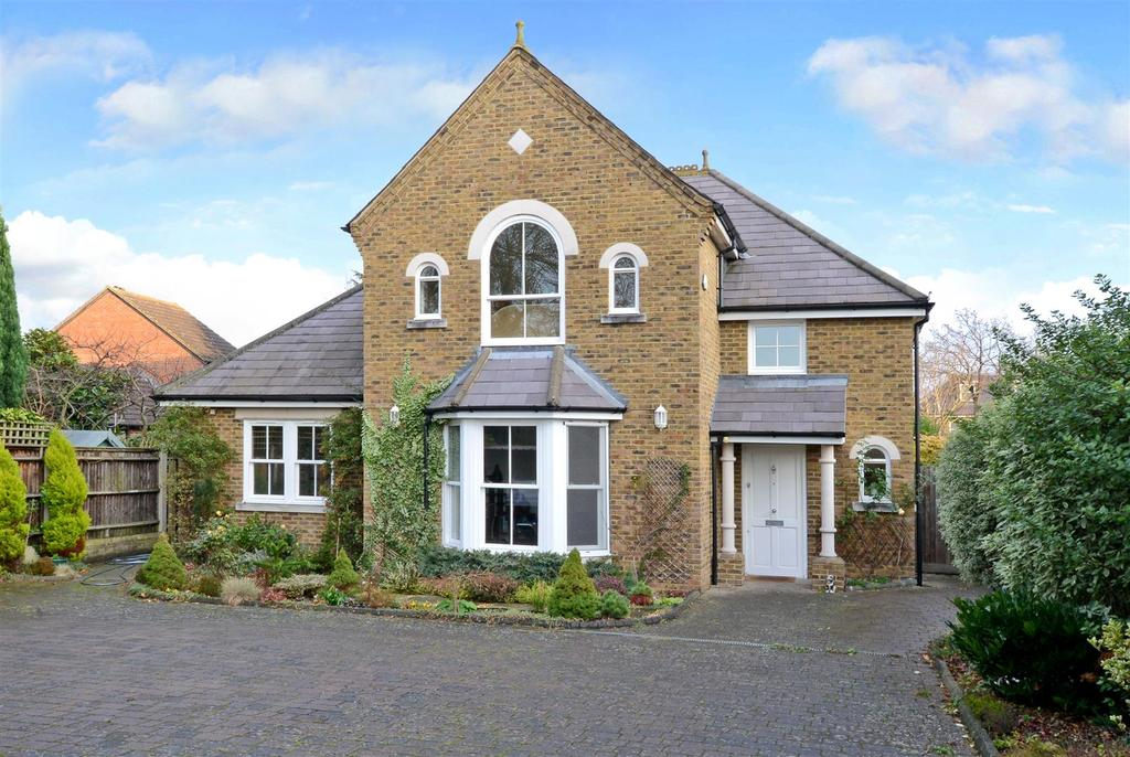 4 Bedrooms Detached House for sale in Palace Road, East Molesey