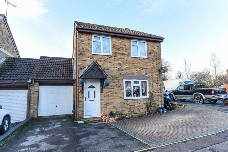 3 Bedrooms Link Detached House for sale in Gason Hill Road, Tidworth