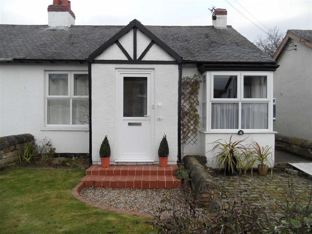 2 Bedrooms Semi Detached Bungalow for sale in The Crescent, Rowlands Gill, Tyne Wear