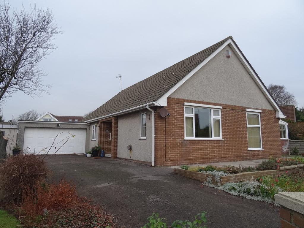 4 Bedrooms Detached Bungalow for sale in ORCHARD DRIVE, DANYGRAIG, PORTHCAWL, CF36 5RF