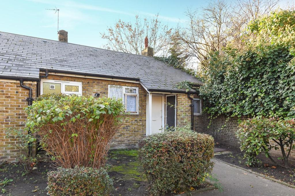 1 Bedroom Bungalow for sale in Lorrimore Road, Walworth, SE17