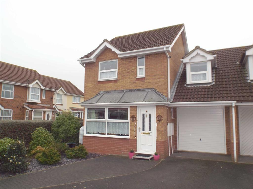 3 Bedrooms Semi Detached House for sale in Bishops Path, Burnham On Sea