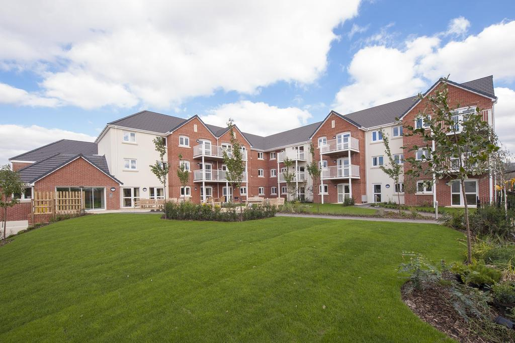 2 Bedrooms Apartment Flat for sale in Squire Court, South Street
