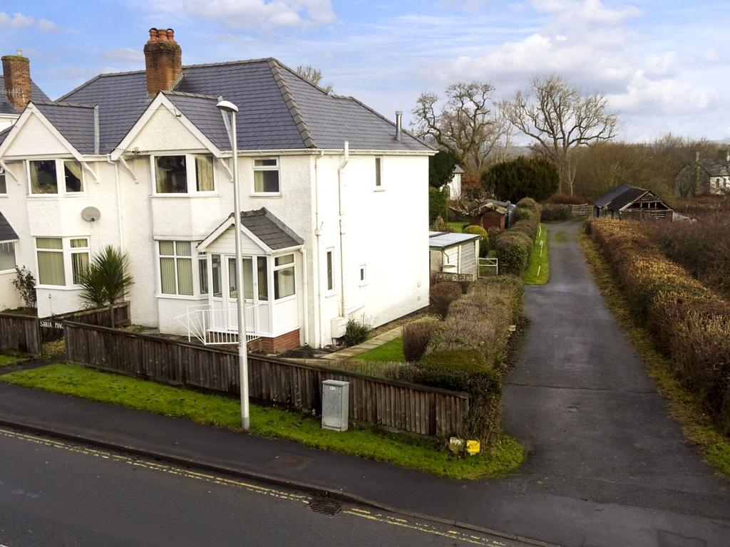 3 Bedrooms Semi Detached House for sale in North Avenue, Llandrindod Wells, Powys
