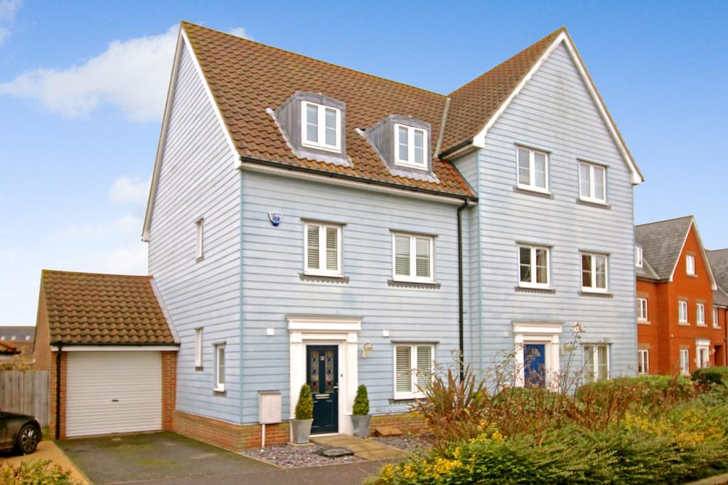 3 Bedrooms Semi Detached House for sale in Meadow Crescent, Purdis Farm