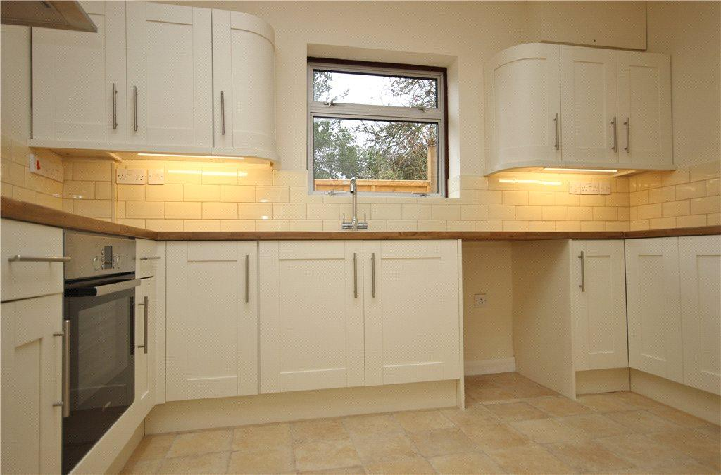 3 Bedrooms Detached Bungalow for sale in Mill Lane, Wadborough, Worcester, Worcestershire, WR8