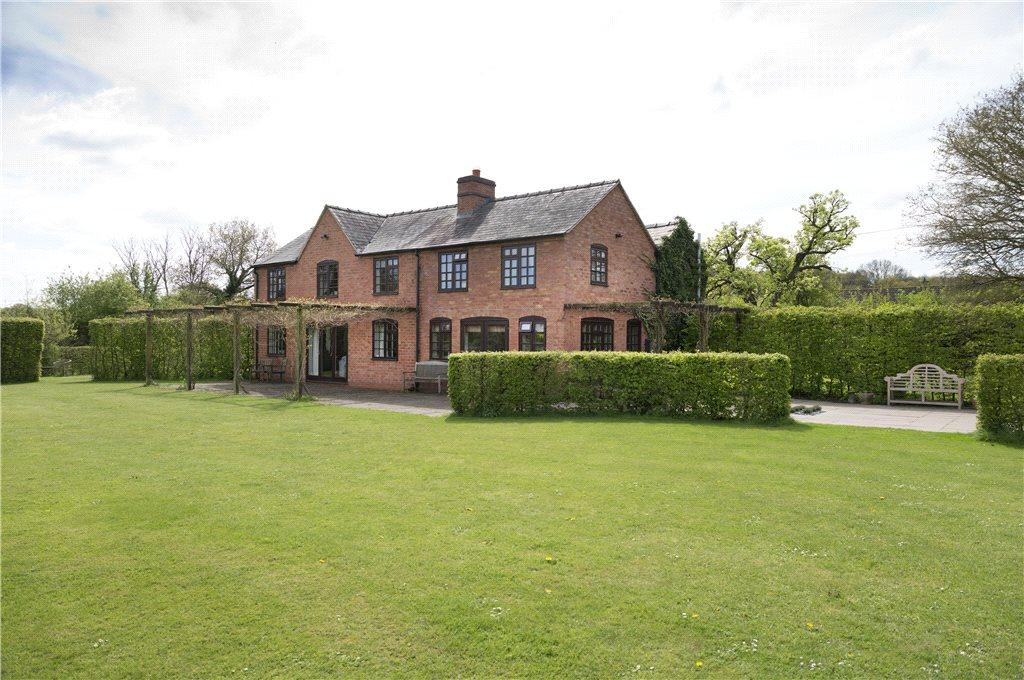 5 Bedrooms Detached House for sale in Earls Common, Droitwich, Worcestershire, WR9
