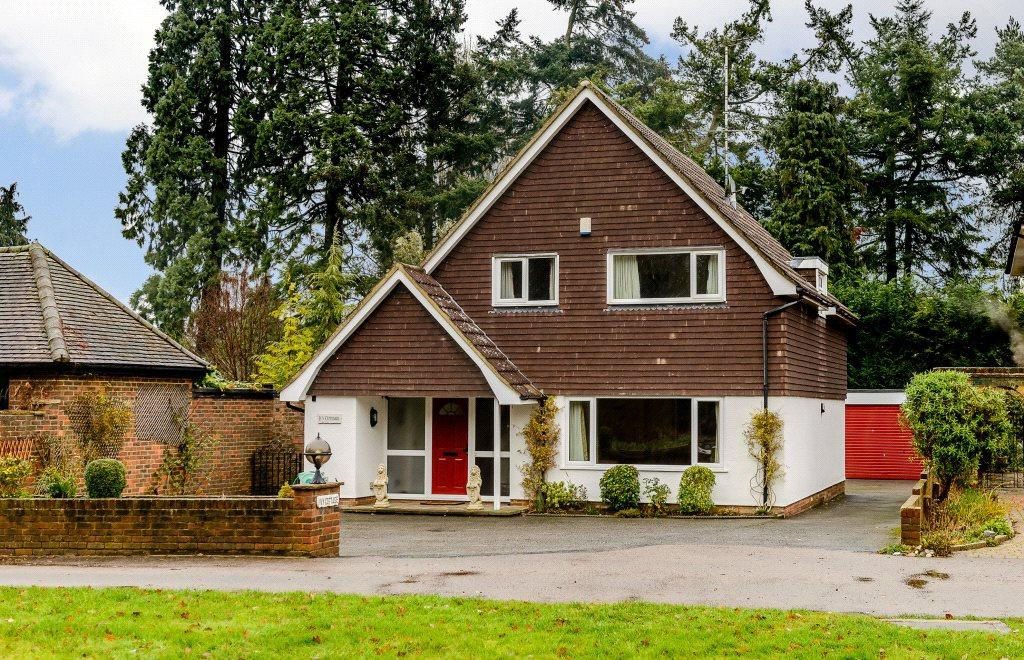 4 Bedrooms Detached House for sale in East Common, Harpenden, Hertfordshire