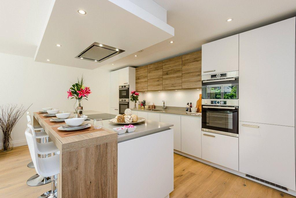 3 Bedrooms Detached House for sale in Vigus Close, 38 Nations Hill, Winchester, Hampshire, SO23