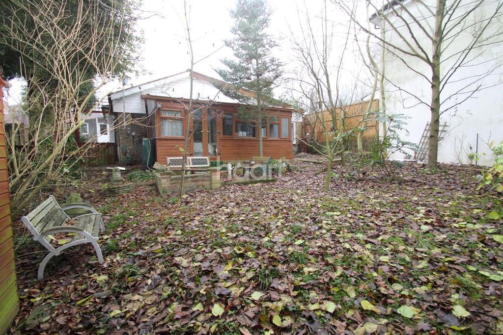 2 Bedrooms Bungalow for sale in Impton Lane, Walderslade Woods