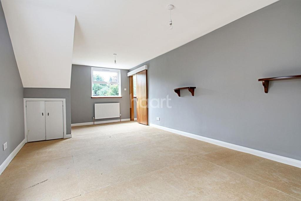 3 Bedrooms Detached House for sale in Harthall Lane, Kings Langley, WD4