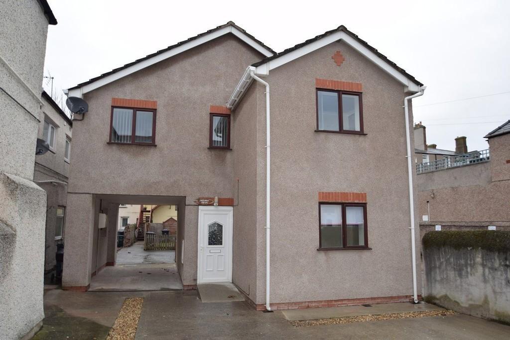 3 Bedrooms Detached House for sale in Victoria Street, Llandudno