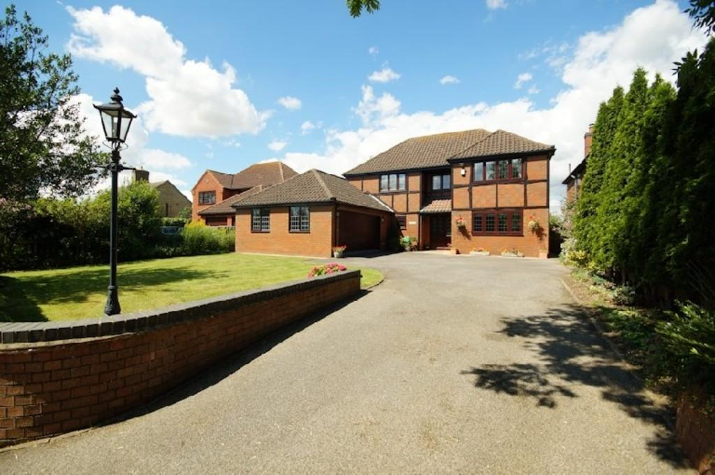 4 Bedrooms Detached House for sale in Spridlington Road, Faldingworth, Lincoln