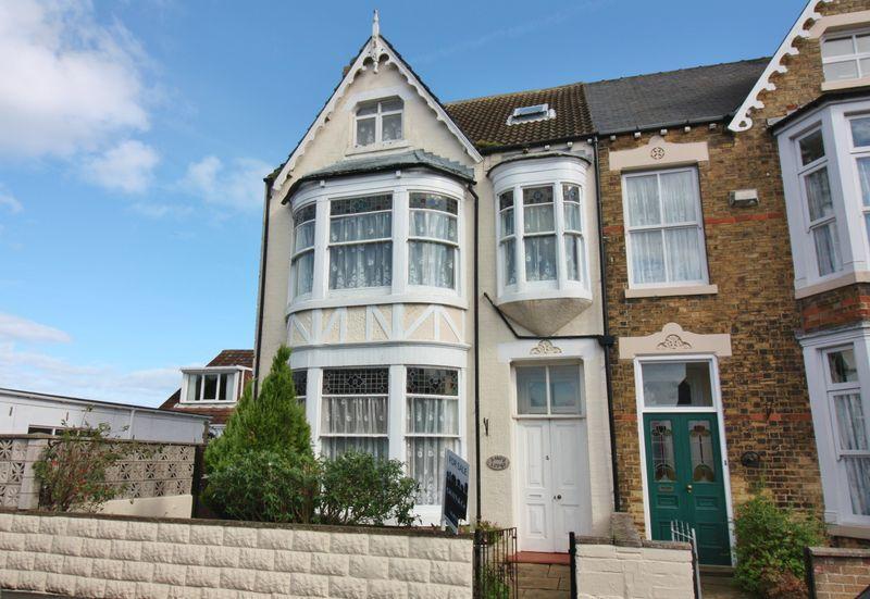 5 Bedrooms Semi Detached House for sale in Railway Street, Hornsea