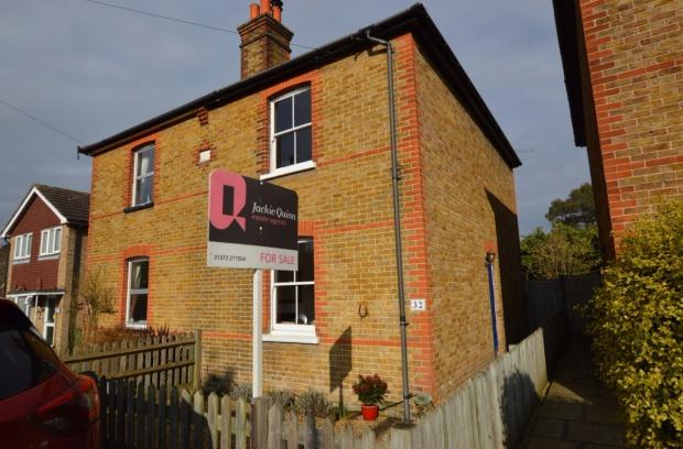 2 Bedrooms Semi Detached House for sale in Gladstone Road, Ashtead, KT21