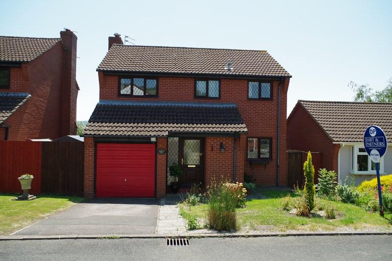 4 Bedrooms Detached House for sale in St. Johns Close, Bishopsteignton, Teignmouth