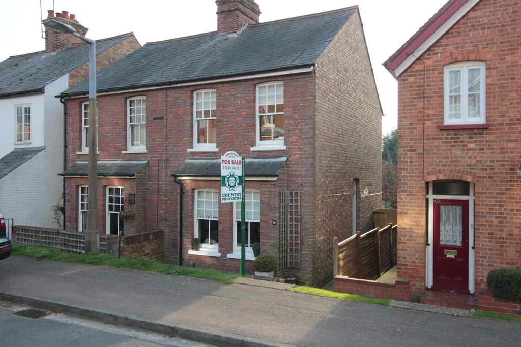 2 Bedrooms Semi Detached House for sale in Salisbury , Road, Harpenden , AL5 5AY