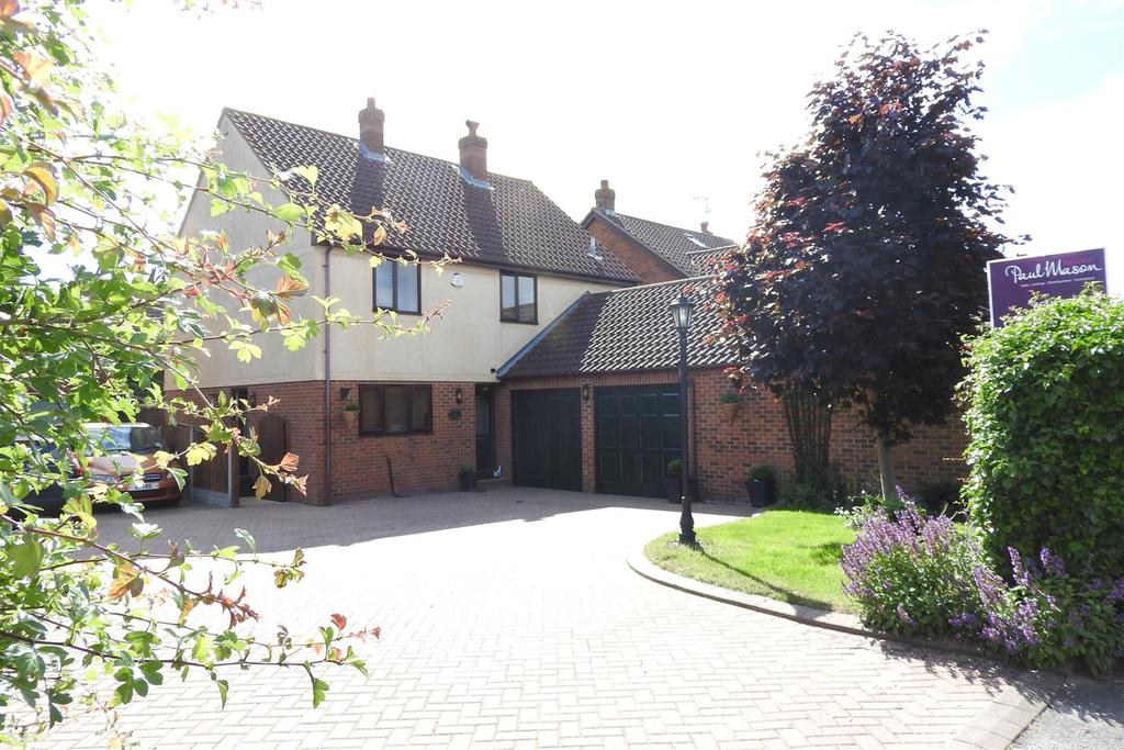 4 Bedrooms Detached House for sale in Nipsells Chase, Mayland, Chelmsford