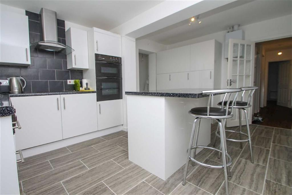 2 Bedrooms Detached Bungalow for sale in Mountview Road, East Clacton