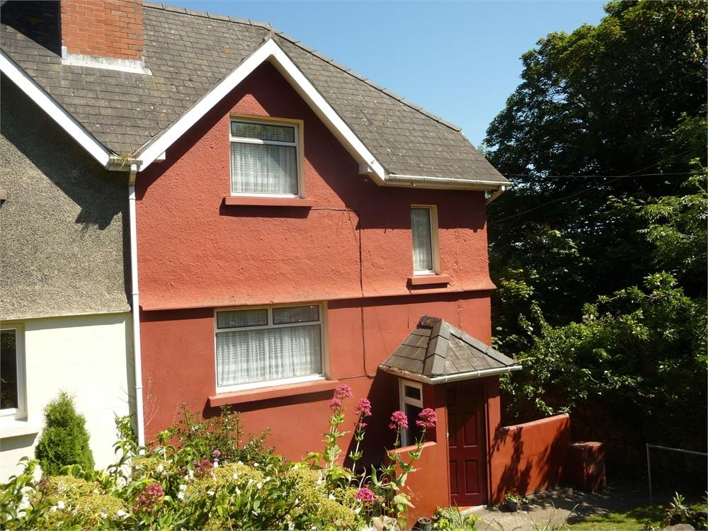 6 Bedrooms Semi Detached House for sale in 9 New Hill Villas, Goodwick, Pembrokeshire