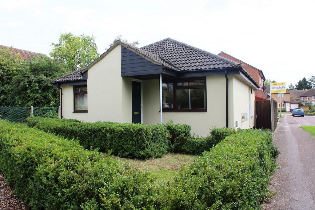 2 Bedrooms Detached Bungalow for sale in Westell Close, Baldock, Hertfordshire