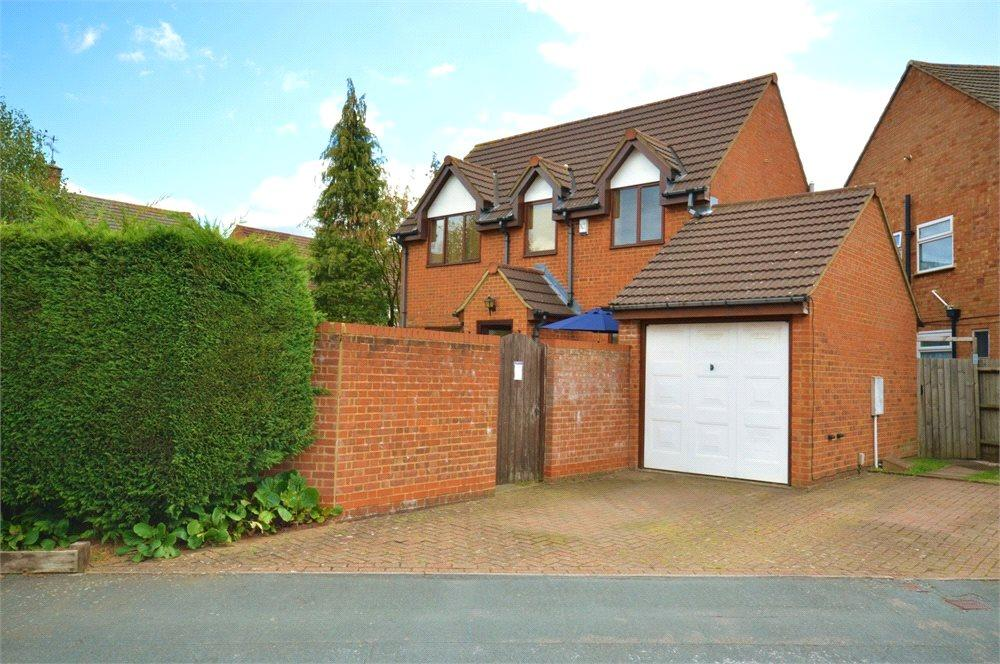 3 Bedrooms Detached House for sale in Orbital Crescent, Watford, Hertfordshire, WD25