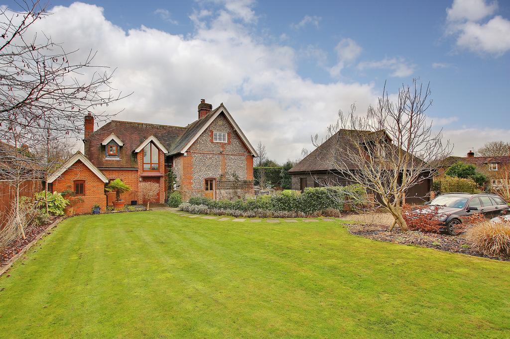 5 Bedrooms Detached House for sale in Nr Hursley, Winchester