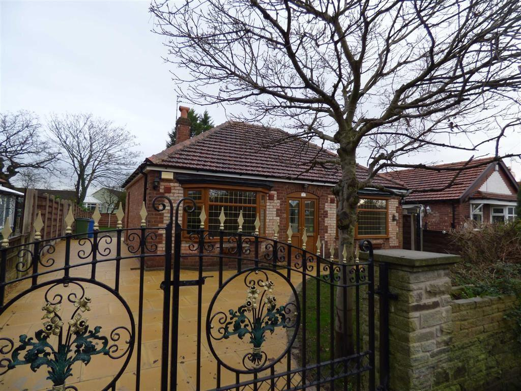 2 Bedrooms Detached Bungalow for sale in Richmond Grove, Cheadle Hulme, Cheshire