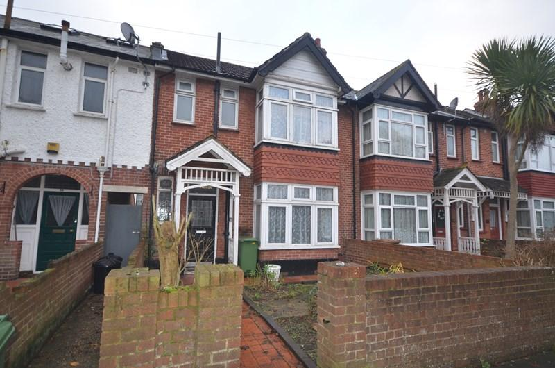3 Bedrooms Terraced House for sale in Goldsmith Avenue, Southsea