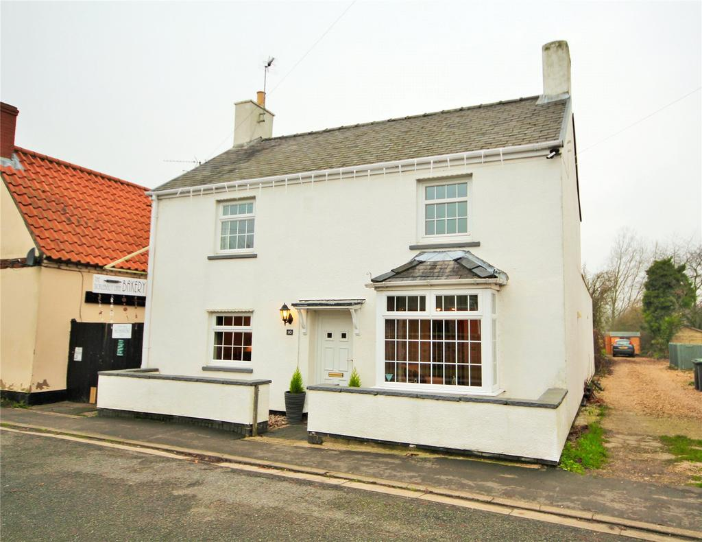 3 Bedrooms Detached House for sale in High Street, North Scarle, LN6