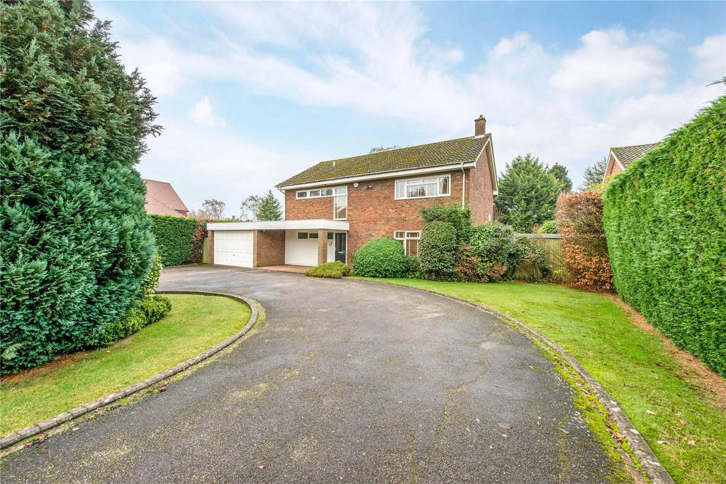 4 Bedrooms Detached House for sale in The Uplands, Harpenden, Hertfordshire, AL5