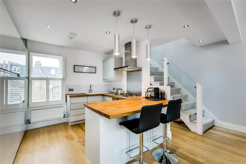 2 Bedrooms Flat for sale in Vardens Road, London