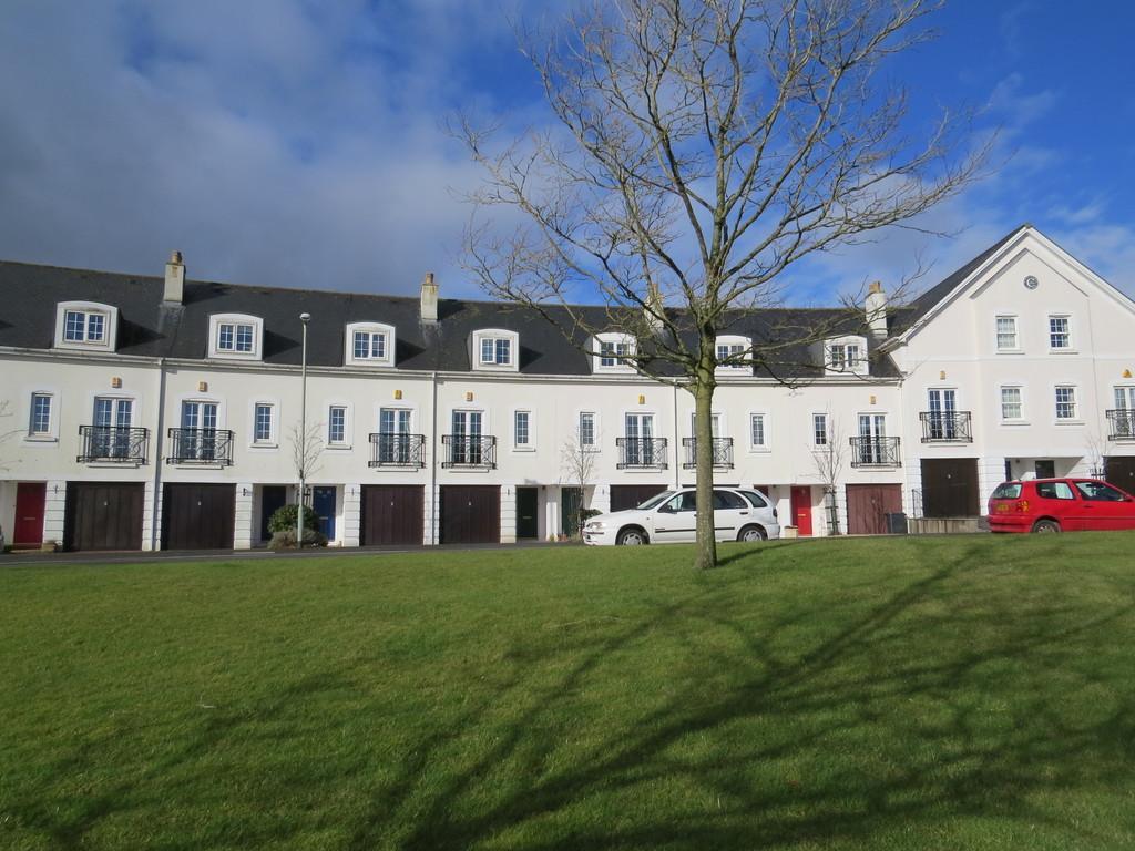 3 Bedrooms Terraced House for sale in Brockhurst Park, Marldon