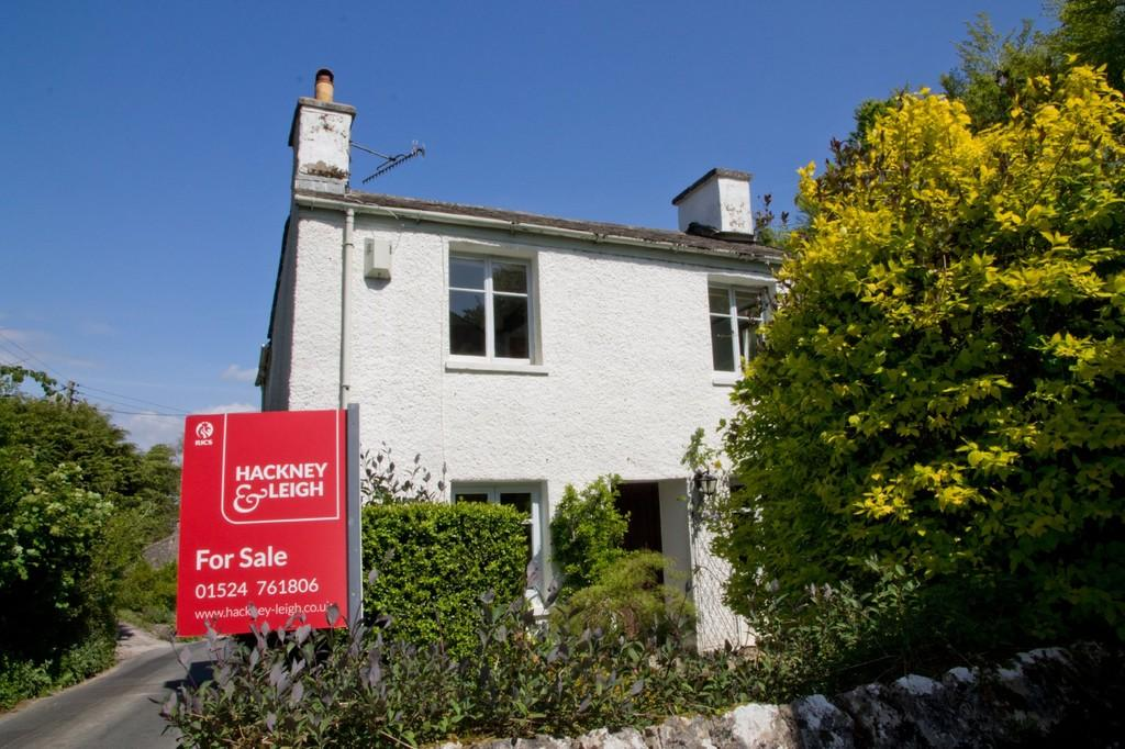 3 Bedrooms Cottage House for sale in Yew Tree Cottage, 9 Leighton Beck Road, Slack Head, LA7 7AX