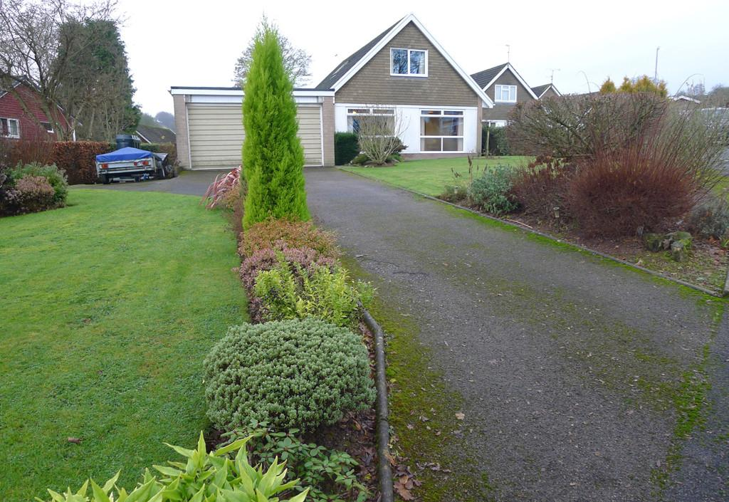 4 Bedrooms Detached Bungalow for sale in 4 St Cybi Rise
