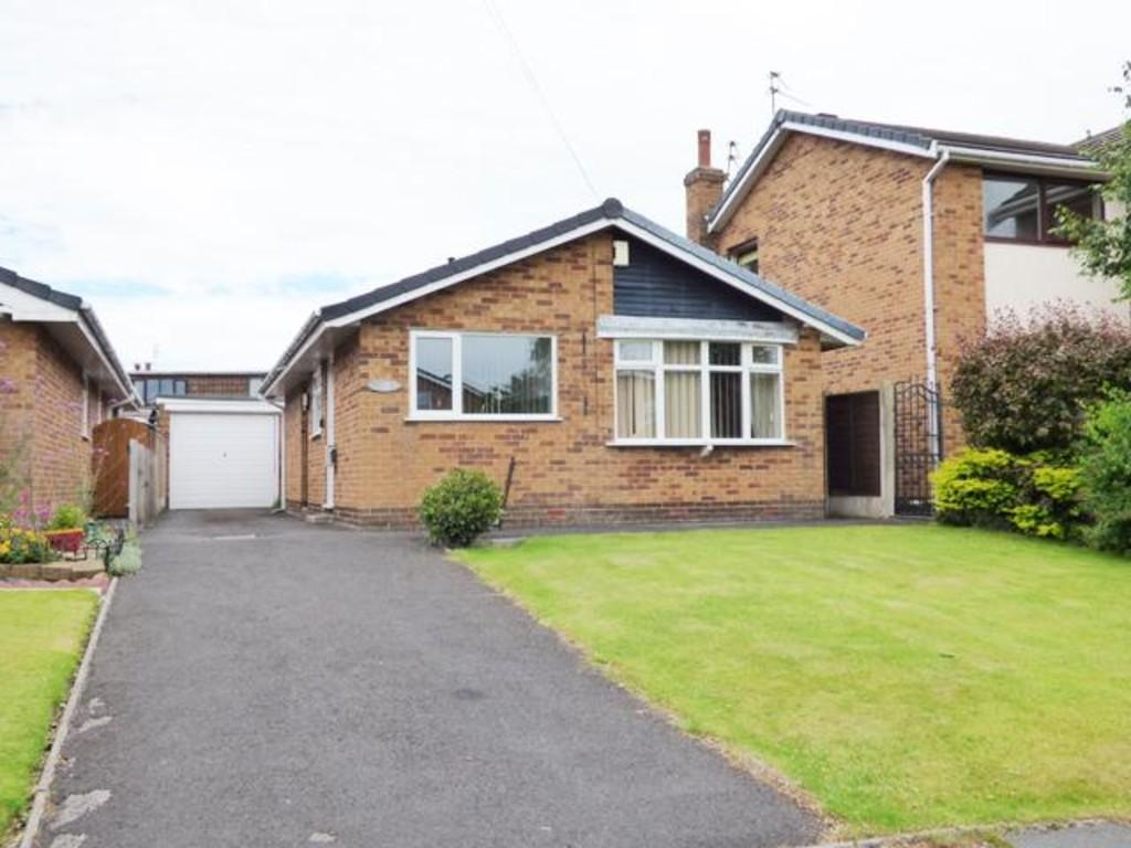 2 Bedrooms Detached Bungalow for sale in Stoneyhurst Avenue, Thornton Cleveleys, Lancashire, FY5 5HD