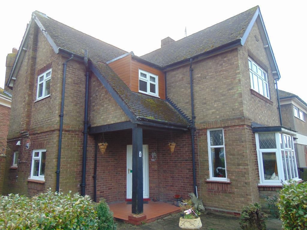 3 Bedrooms Detached House for sale in Hillburn Road, Wisbech, Cambridgeshire, PE13 2PL