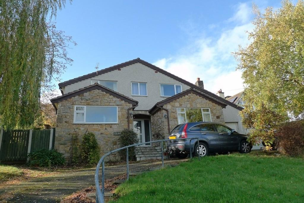 5 Bedrooms Detached House for sale in Llanelian Heights, Colwyn Bay