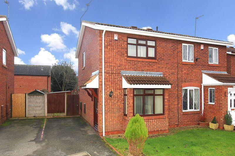 2 Bedrooms Semi Detached House for sale in WOMBOURNE, Holloway Drive