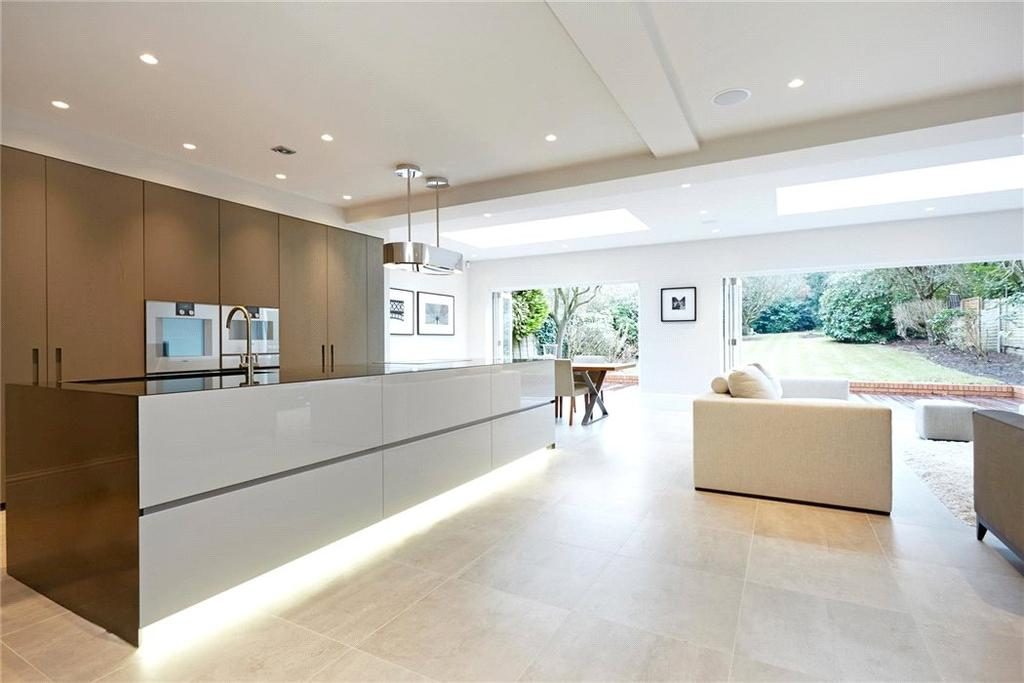 6 Bedrooms Detached House for sale in Manor Road South, Esher, Surrey, KT10
