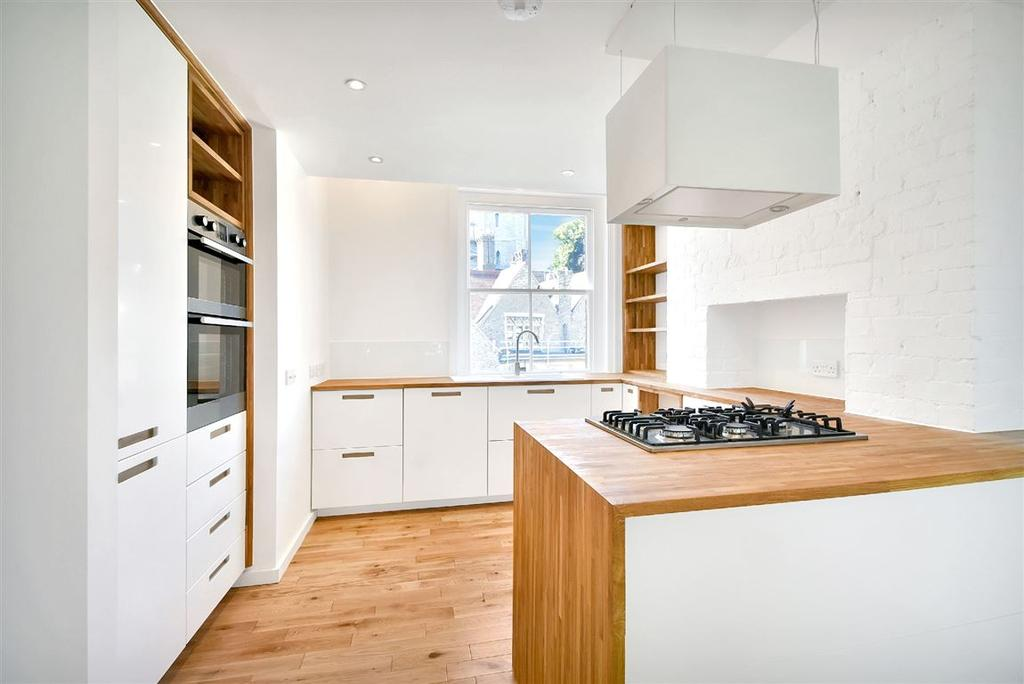 3 Bedrooms Apartment Flat for sale in Grove Place, Hampstead Village, NW3