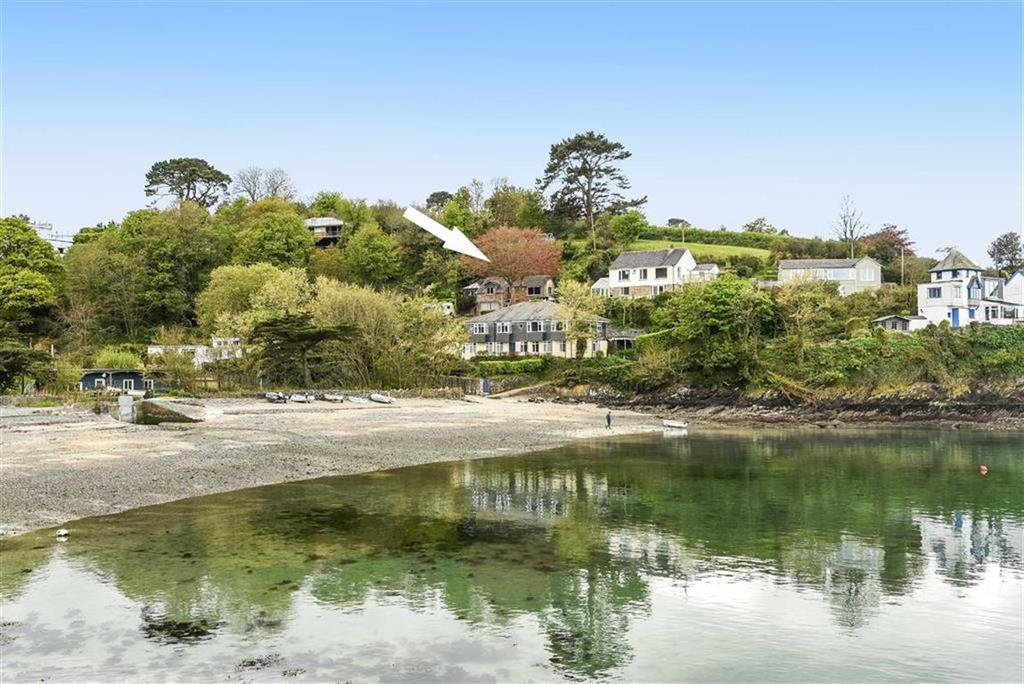 3 Bedrooms Detached House for sale in Gillan Cove, Gillan, Helston, Cornwall, TR12