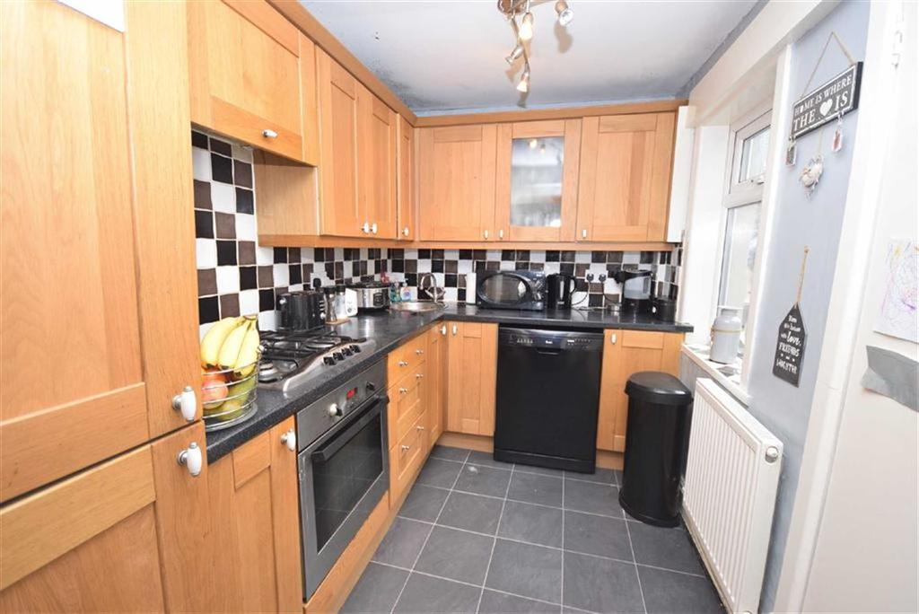 2 Bedrooms Terraced House for sale in New Bath Street, Colne, Lancashire