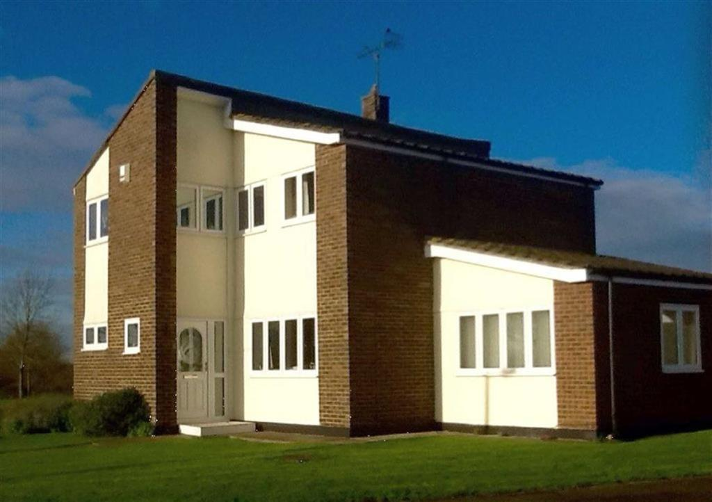 4 Bedrooms Detached House for sale in Village Green, Canewdon, Essex