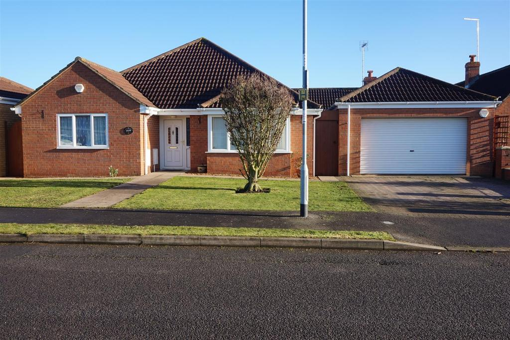 4 Bedrooms Detached Bungalow for sale in Railway Lane South, Sutton Bridge